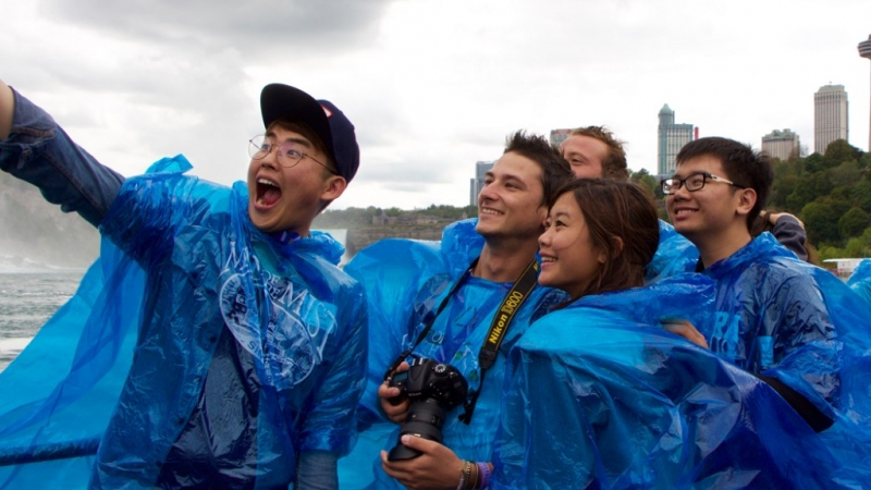 German MBA Student Wins Photo Contest For Maid Of The Mist Selfie